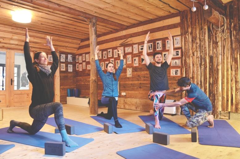 joga studio zazriva